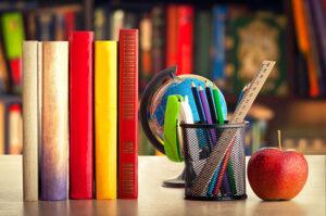 כתיבת עבודה אקדמית. תתכוננו לקרוא, והרבה (צילום: shutterstock)