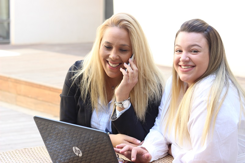 סבינה וסיון - שירות כתיבת עבודות סמינריוניות בתשלום לסטודנטים